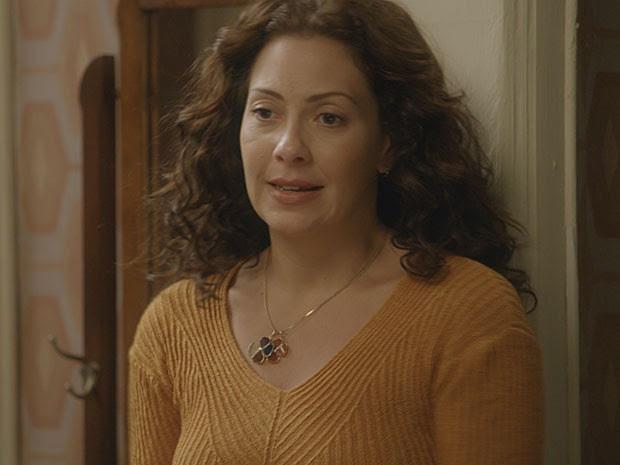 Cris fica surpresa com a chegada da ex-amante de Fernando (Foto: TV Globo)