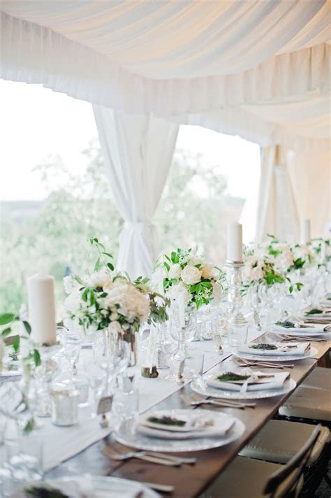 Best 25  White table settings ideas on Pinterest   Gold