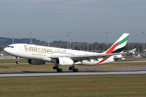 airplane-pics: Emirates Airbus 330-200 A6-EKT photos