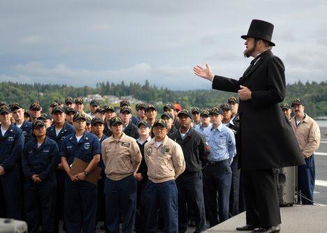 photo: US Navy / Mass Communications Specialist 3rd Class James R. Evans