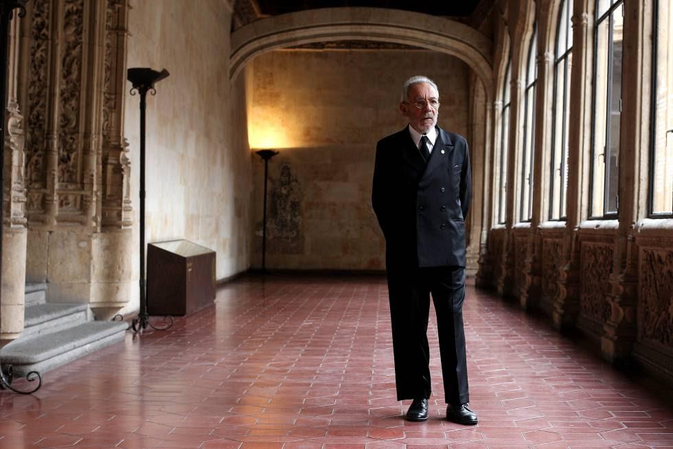 El actor José Luis Gómez, en la obra sobre Unamuno en la Universidad de Salamanca.