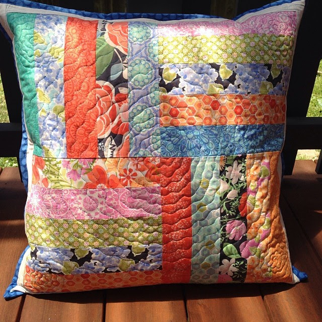 Another cushion finished to take to market on Friday! Made from leftover jelly roll blocks of #honeyhoney @katespain