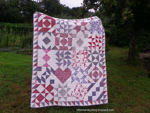 A Twist on Tradition bee quilt finished