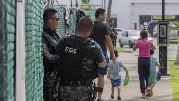 La police mexicaine à la recherche du fils du narcotrafiquant El Chapo après son enlèvement en aout 2016.