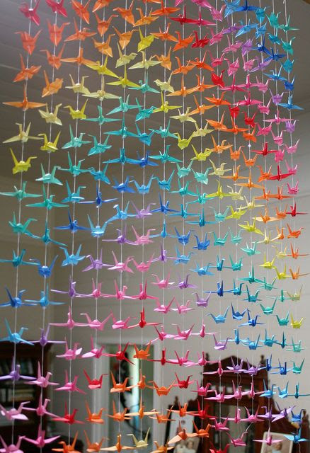 21 Extraordinary Smart DIY Paper Wall Decor That Will Color Your Life homesthetics design 1 20 Extraordinary Smart DIY Paper Wall Decor [Free Template Included]