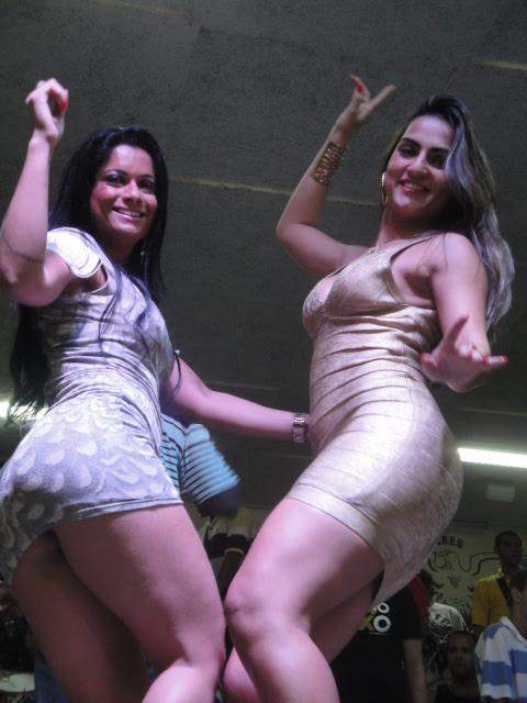 Dani Sperle e Bruna Bruno no ensaio da União da ILha (Foto: CO Assessoria/Divulgação)
