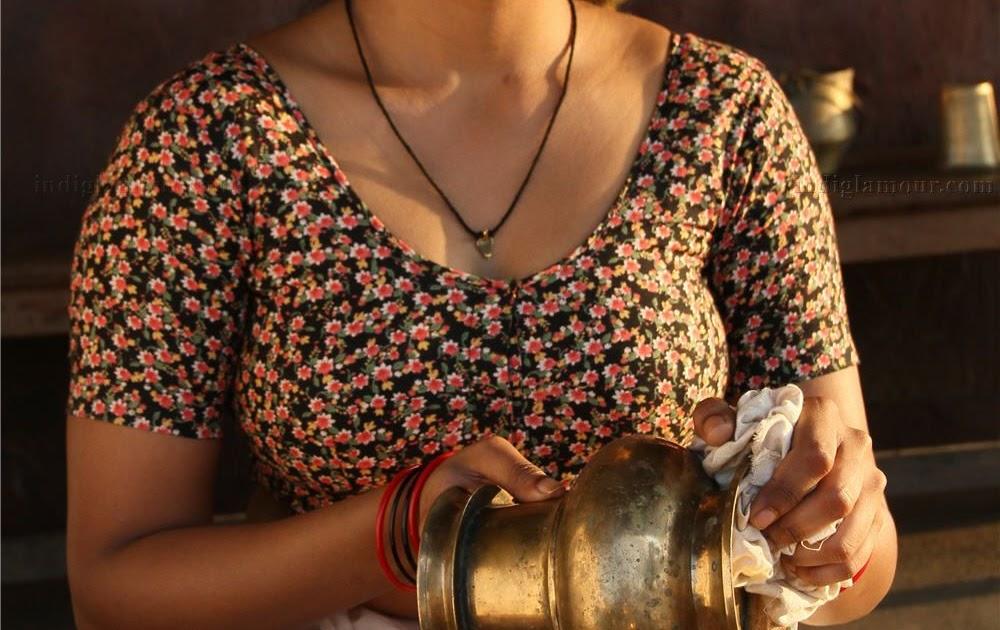 Honeymoon bhabhi in Nighty | Latest HD image gallery