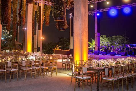 Wedding at the Perez Art Museum Miami by Chris Weinberg Events