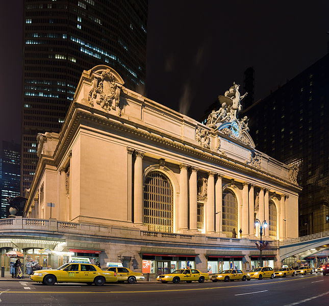 File:Grand central Station Outside Night.jpg
