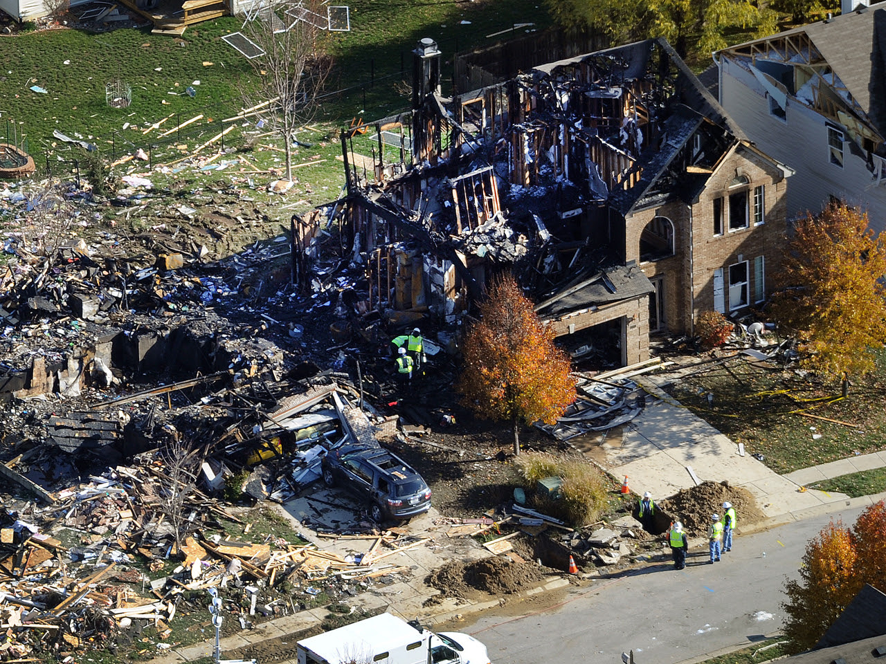 Friend testifies against Indiana house explosion suspect Mark Leonard - CBS News