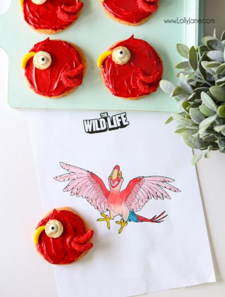 The-Wild-Life-Parrot-Sugar-Cookies-Lolly Jane