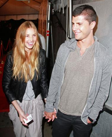 http://static.thehollywoodgossip.com/images/gallery/whitney-port-and-ben-nemtin-picture_377x460.jpg
