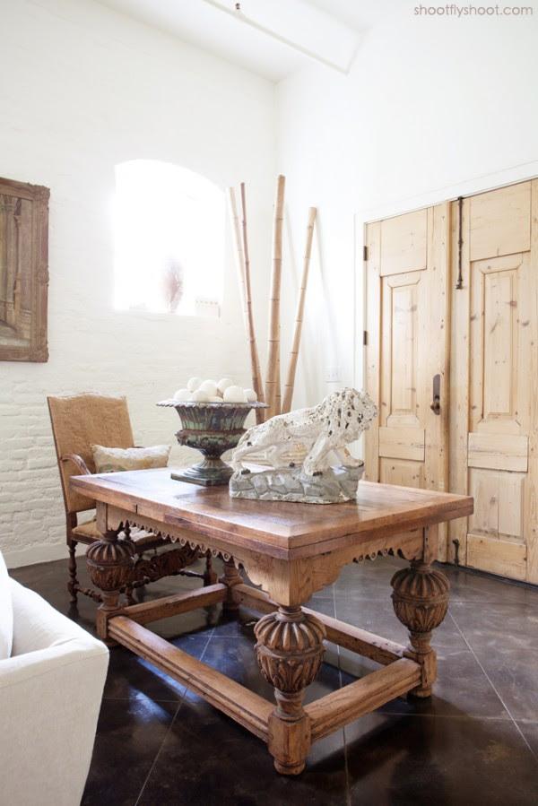 Atchison Αρχική | Foyer | Antique Πόρτες | Πίνακας | Lion | μπαμπού | Υδρία | Βαμμένο τοίχο