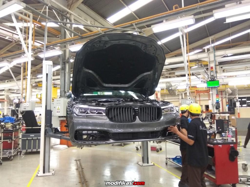 DUNIA BERITA Larangan Impor Mobil 3000 Cc BMW Santai