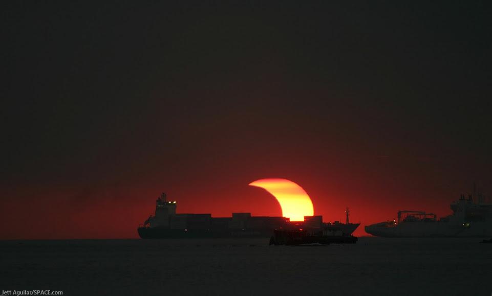 Jeff Aguilar, eclipse, November 2009