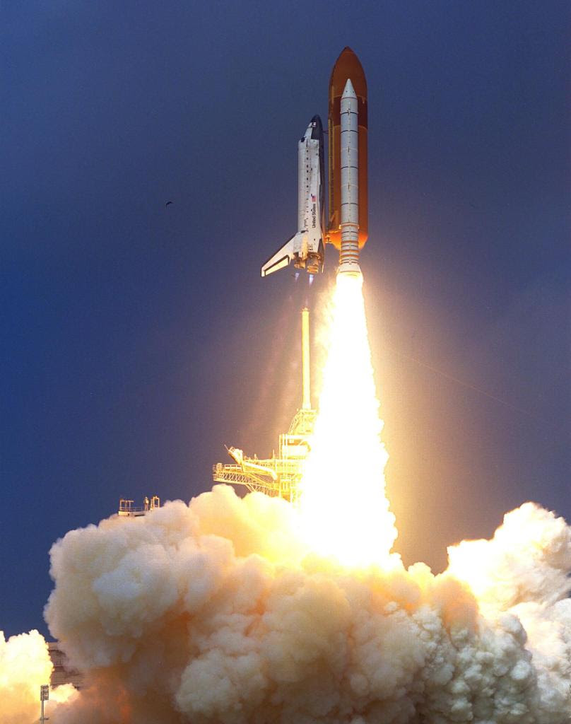 Aug07-1997-STS85liftoff