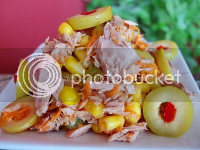 -Salata-de-ton-cu-masline-verzi-1