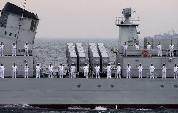 Kapal perang China siap latihan gabungan militer dengan Rusia. (Foto: Reuters)