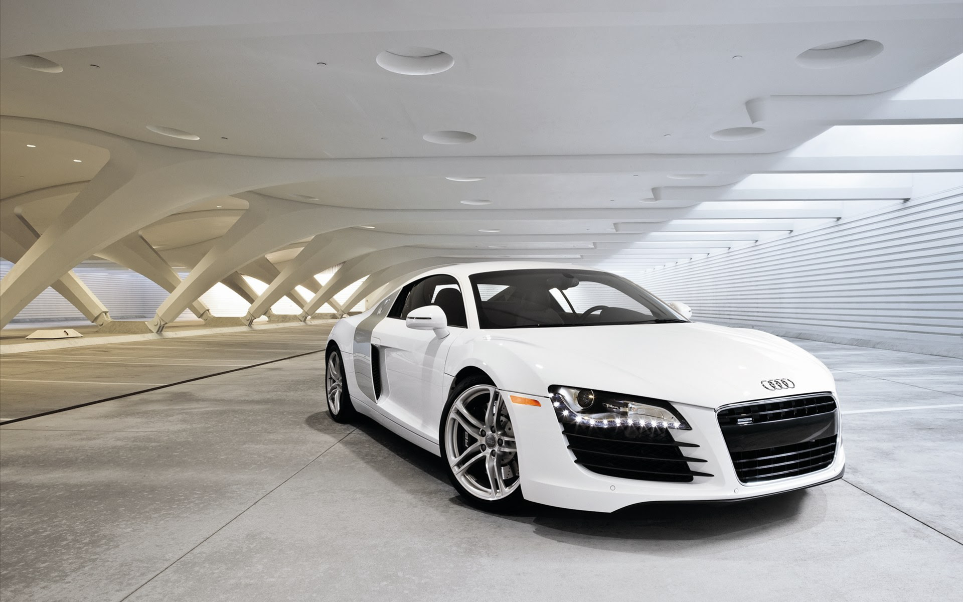 free wallpaper of the top cars: a white sports car Audi R8 ,click to ...