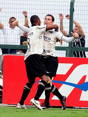 No detalhe, Timão vence Verdão em tarde de Bruno e Julio Cesar