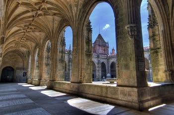 http://www.turnbacktogod.com/wp-content/uploads/2008/08/cloisters-of-santiago-cathedral.jpg