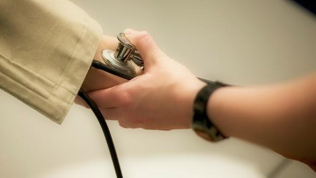 medindo pressão euatleta (Foto: Getty Images)