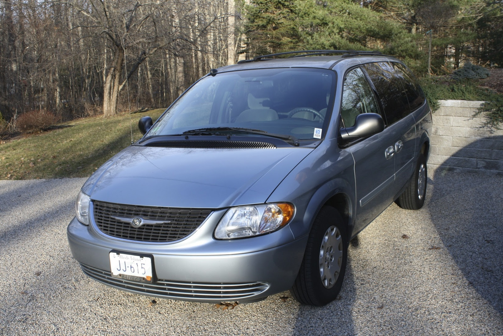 2004 chrysler town  country  pictures  cargurus