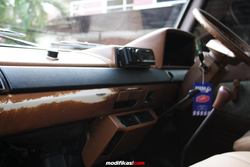 MODIFIKASI DASHBOARD MOBIL KIJANG SUPER