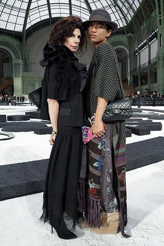 Susan Tabak and Bryanboy at Chanel Spring Summer 2011