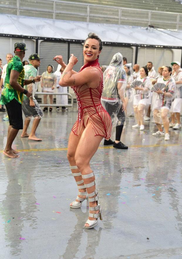 Juju Salimeni participa de ensaio técnico da X-9 Paulistana (Foto: AgNews / Leo Franco)