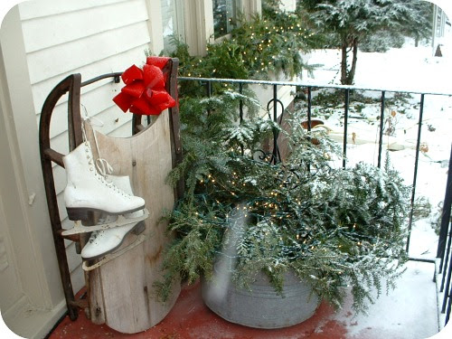 Decorating Outdoors for Christmas