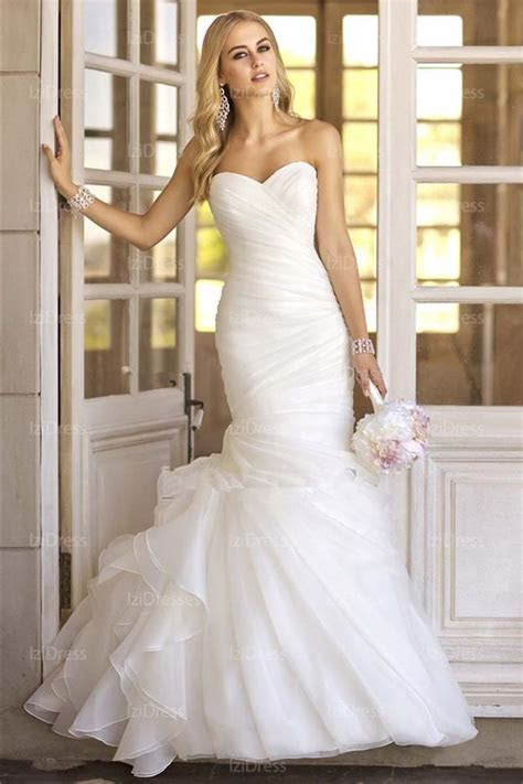 Best 25  Satin wedding gowns ideas on Pinterest   Lace