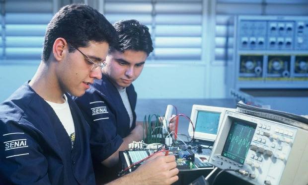 Opções de curso abrangem várias áreas como Edificações, Produção de Moda, Eletrotécnica, Administração, Eletromecânica, Vestuário e Segurança do Trabalho / Foto: Reprodução