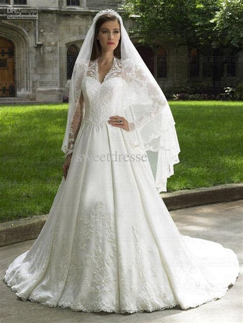Princess Kate Wedding Gown   Wedding stuff   Pinterest