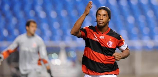 Flamengo reclama que Ronaldinho não zelou pela imagem durante passagem na Gávea