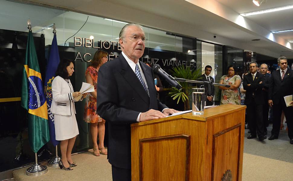 O senador José Sarney (PMDB-AP) discursa na abertura de exposição sobre seus mandatos à frente do Senado Leia mais