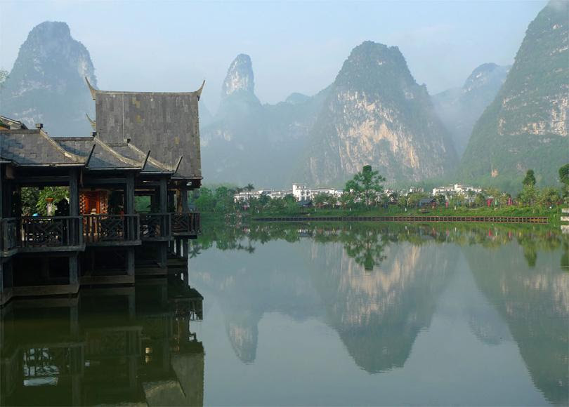 Ming-shi Countryside is 37km away from Detian Waterfall and 210km from Nanning City, China