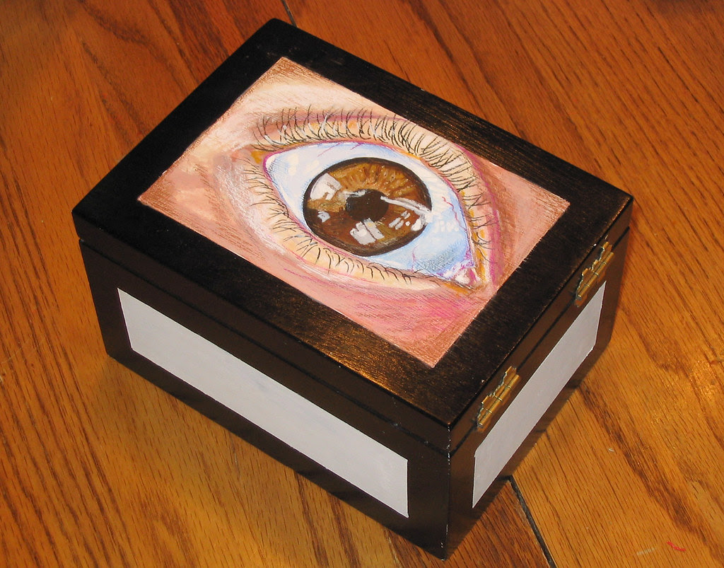 cigarboxeye