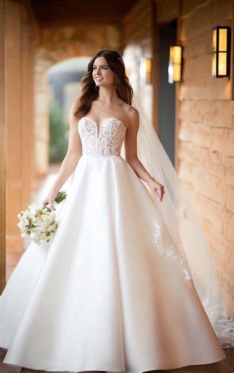 D2486   Alma J Bridal Boutique