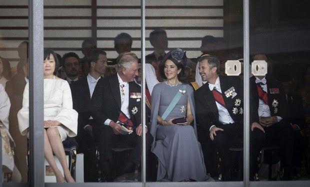 Phu nhân Thủ tướng Nhật Bản bỗng hứng búa rìu dư luận vì sai lầm nghiêm trọng trong lễ đăng quang của Nhật hoàng - Ảnh 2.
