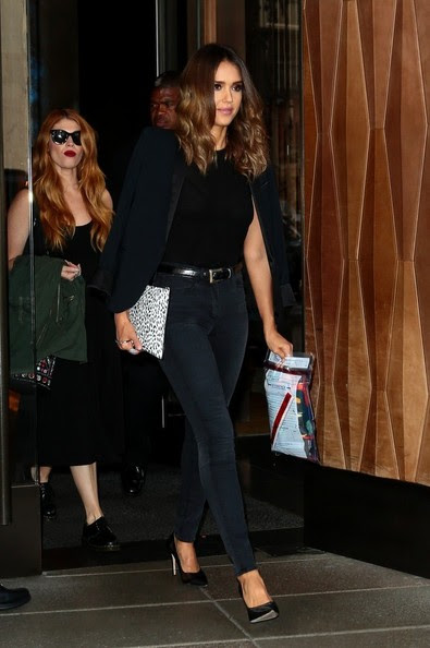 Jessica Alba - Jessica Alba Heads Out for the Night