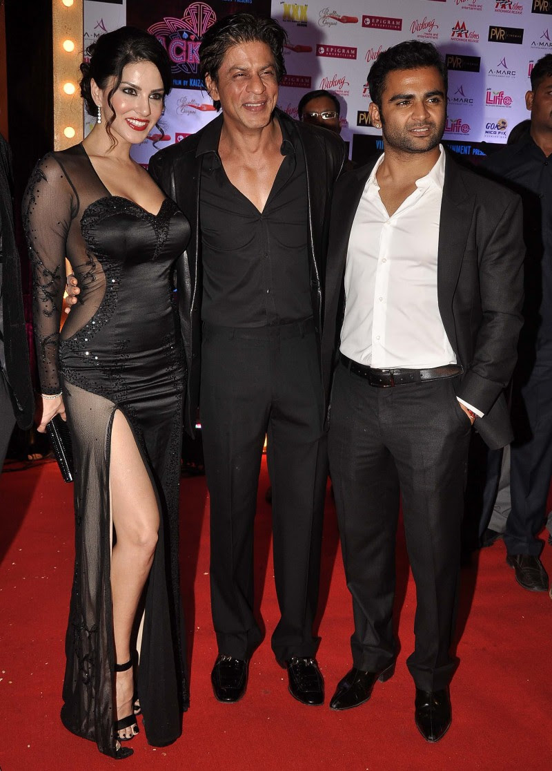 Sunny-Leone-Shah-Rukh-Khan-At-Jackpot-Movie-Premiere-Show-Image-Pictures-4