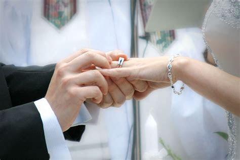 DÓNDE se coloca el anillo de boda o compromiso??2018?