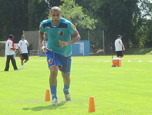 Weliton treino Flamengo (Foto: Janir Junior / Globoesporte.com)