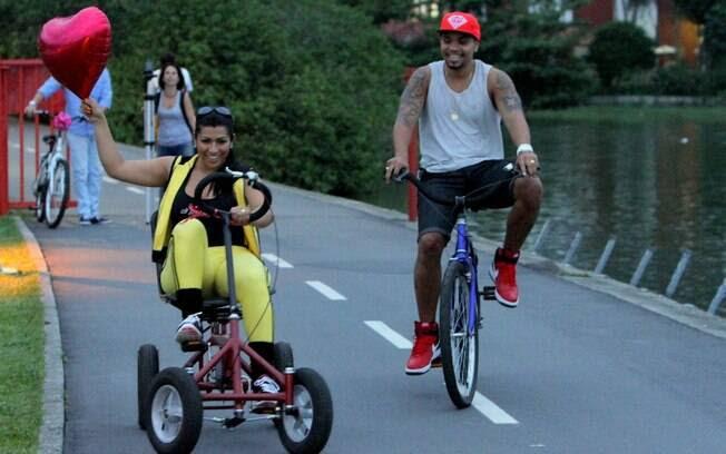 Os dois curtiram, em veículos diferentes, o dia no Rio de Janeiro