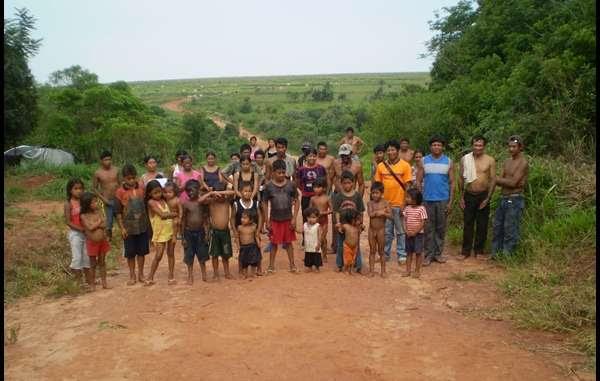 Índios Guarani da comunidade Ypo'i