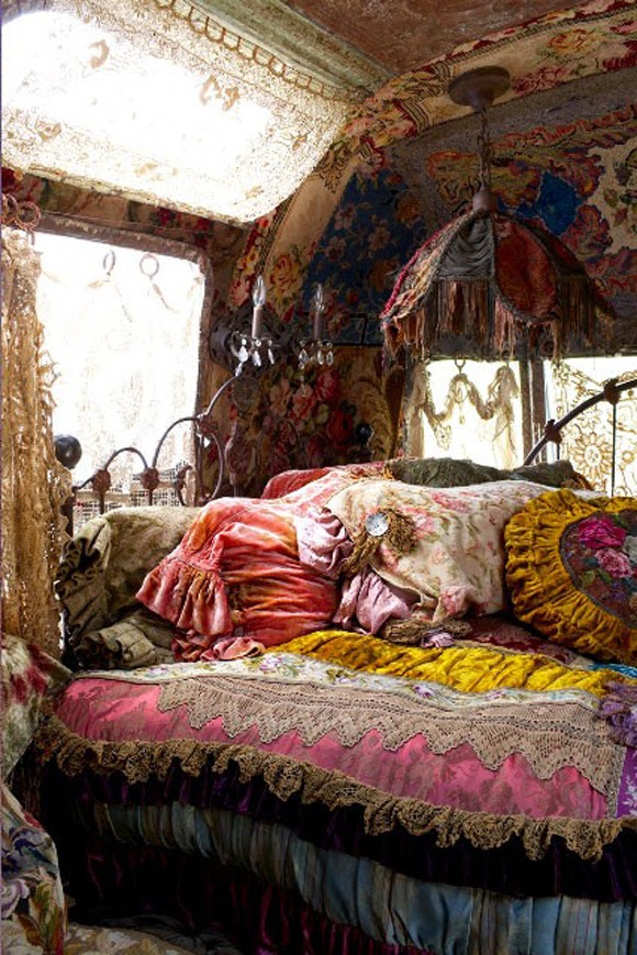 CLOTHE THE TIGER: How to create a Bohemian Atmosphere in your Home ...