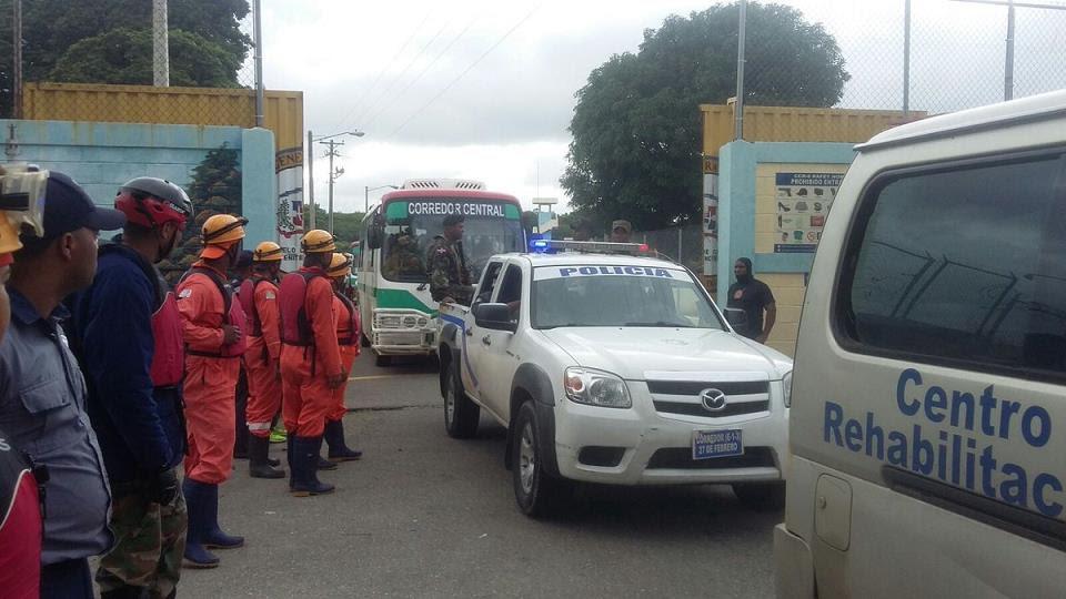 Evacúan 686 reclusos cárcel Rafey como medida preventiva por lluvias