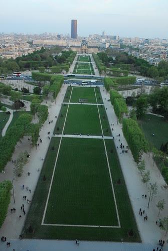 Paris 1 020