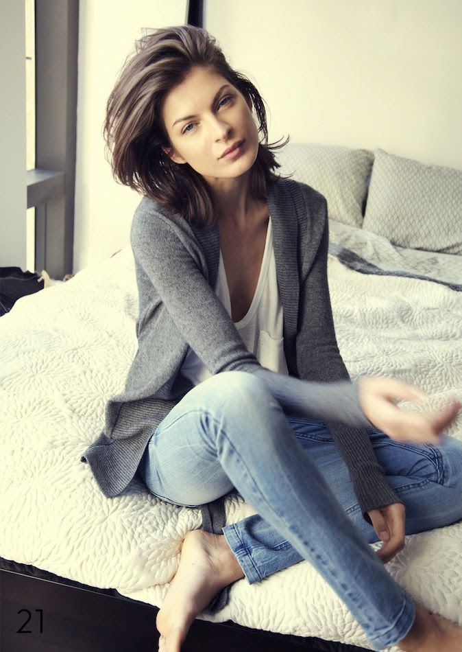 Le Fashion Blog Grey Cardigan White Pocket Tee Jeans Weekend Saturday Casual Style Short Hair Via Dzojchen photo Le-Fashion-Blog-Grey-Cardigan-White-Pocket-Tee-Jeans-Weekend-Saturday-Casual-Style-Short-Hair-Via-Dzojchen.jpg